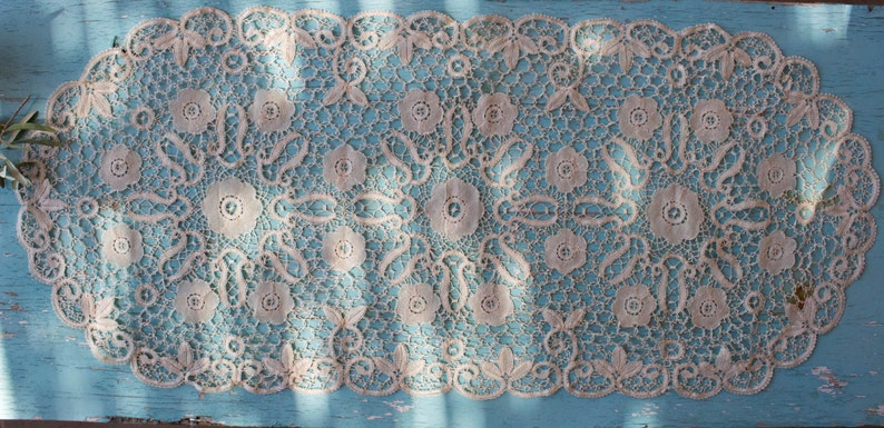Venice Lace ca Vintage Lace Table Runner 16/'/' x 36/'/' 1950/'s Greek Vintage Ecru Handmade Point de Venice
