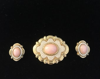 Brooch and Earrings ~ Pin and Earrings ~ Gold and White ~ Pink and Orange ~ Pierced Earrings ~Faux Pearls ~ Shabby Chic ~  Vintage