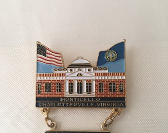 12ab38fd8de12 Vintage Lions Club Pin ~ Monticello Charlottesville Virginia ~ Bicentennial  1776 ~ 1976 ~ Building with Flags