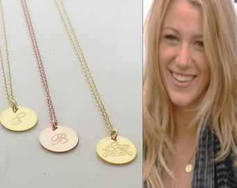 Gold disc initial necklace, engraved initial gold disc necklace. 14k Gold disc date necklace. Minimalist necklace. Dainty gold necklace