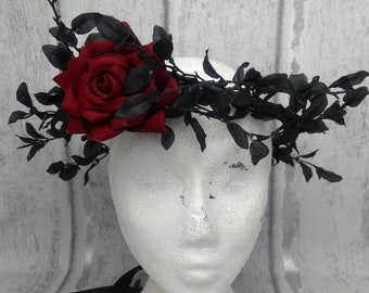 Black hair wreath, gothic, dark queen, evil queen crowns, blood red rose, dark fairy, black hair garland, black crown, costume, headdress