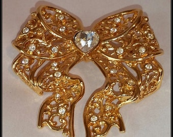69923cf5f Smithsonian Institute Mid Century Filigree Bow Rhinestone Heart Brooch Pin  signed SI