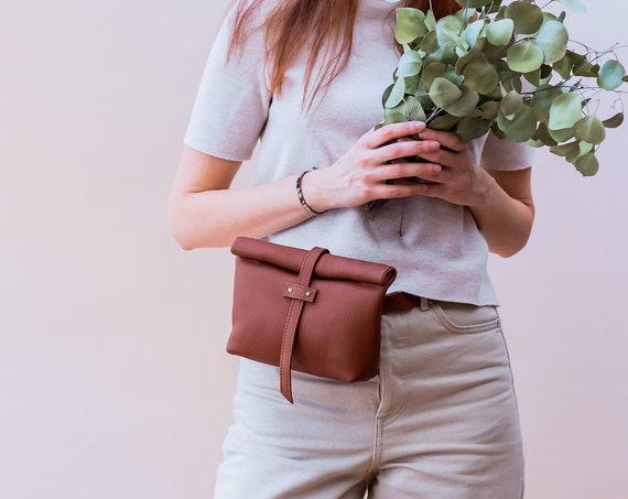 Brown Leather Belt Bag, Fanny Pack for Women, Fold over Bag, Roll over leather bag, Convertible Belt Bag, Minimalist Belt Bag