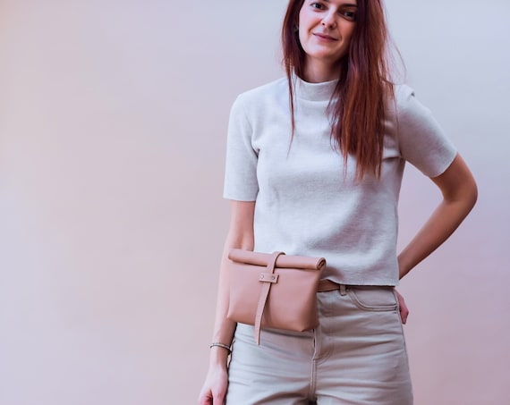 ROLL OVER belt bag (nude)