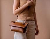 Minimalist Vegan Leather Bag, Small Crossbody Bag for Women, Brown Shoulder Bag Vegan, Soft Leather Bag, Modern Everyday Bag