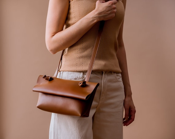 Minimalist Vegan Leather Bag, Small Crossbody Bag for Women, Brown Shoulder Bag Vegan, Soft Leather Bag, Modern Everyday Bag