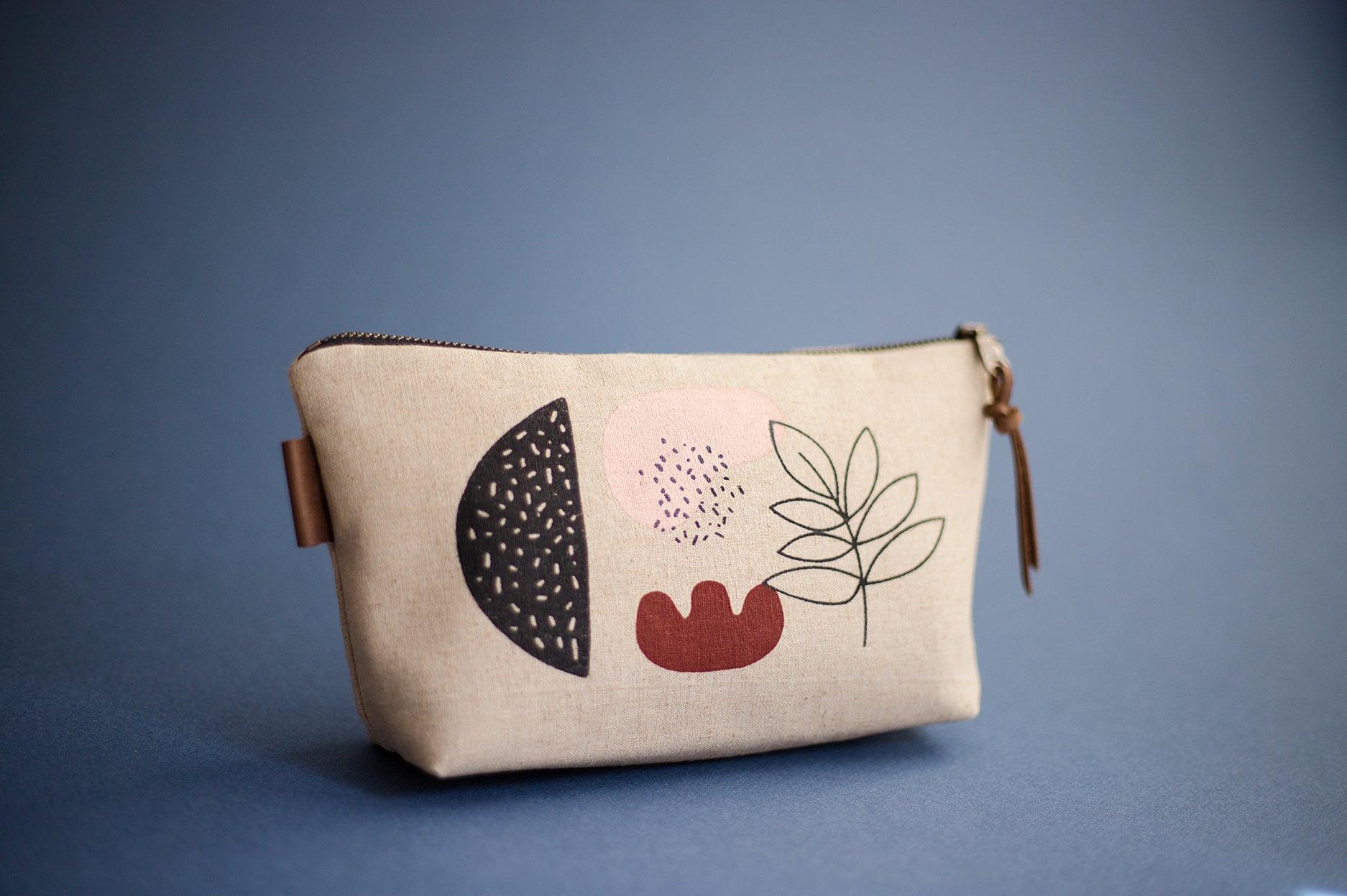 c07bbd0b02c8 Abstract Print Purse, Small Makeup Bag, Screen Printed Purse, Linen ...