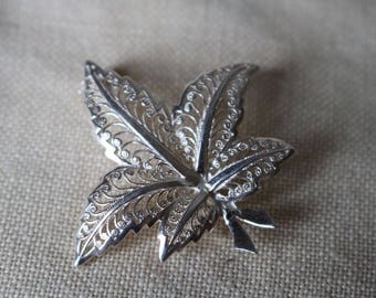 Delicate Vintage Sterling silver leaf brooch Marked Sterling. Very good condition