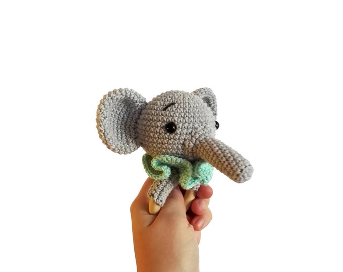 Crochet elephant teether - wooden ring - stuffed rattle - baby teething ring - natural baby toy - amigurumi bunny - animal rattle