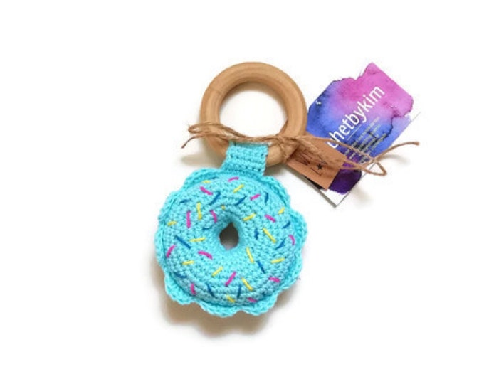 READY TO SHIP - Crochet donut teether - wooden ring - stuffed - baby teething ring - natural baby toy - Theeting ring