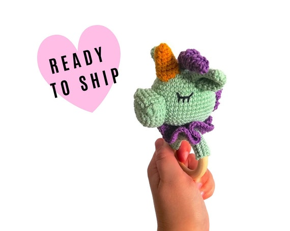 Handmade crochet unicorn teether • amigurumi unicorn rattle • teethering • baby teething ring • Fantasie animals • rassel • READY TO SHIP