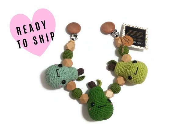 STROLLER CHAIN • Amigurumi pear • pirum parum • crochet pram garland • kinderwagenkette • wagenspanner • Ready To Ship