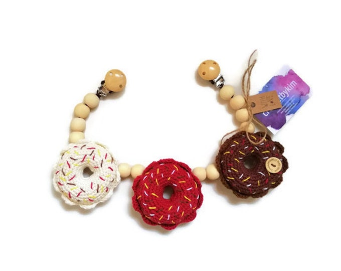 READY TO SHIP - crochet stroller chain - pram mobile - garland - baby toy - toddler - donut - wooden beads