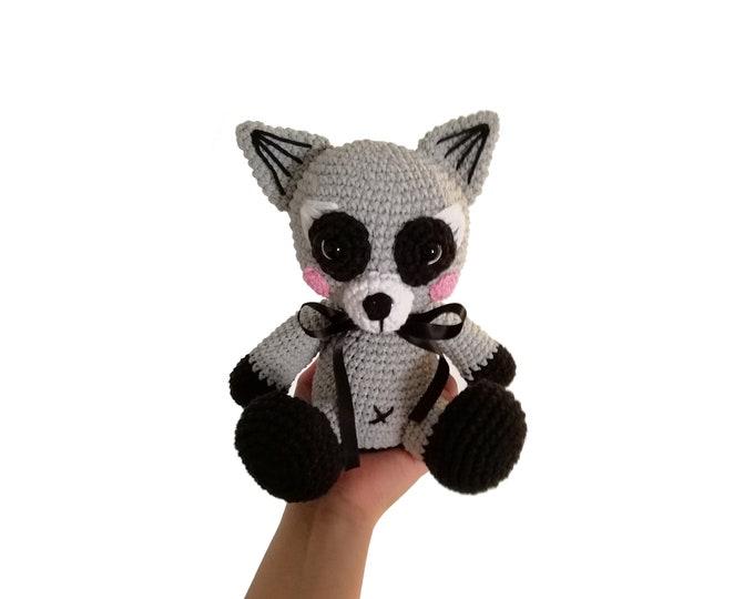 Crochet raccoon - Handmade toy - Woodland animals - Stuffed plush animal - Nursery decor - Amigurumi - forest raccoon READY TO SHIP
