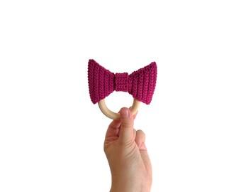 Crochet bow teether - teethering - handmade - baby teething ring - natural baby toy - babygirl