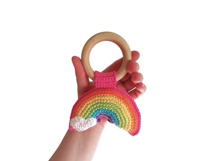 READY TO SHIP - Crochet rainbow teether - wooden ring - stuffed - baby teething ring - natural baby toy - Theeting ring