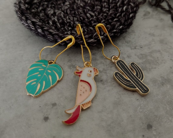 3 Enamel Stitch Markers • notions • row markers • end markers • place markers for crochet • Parrot Cactus Leaf • Safety Pins with Charm