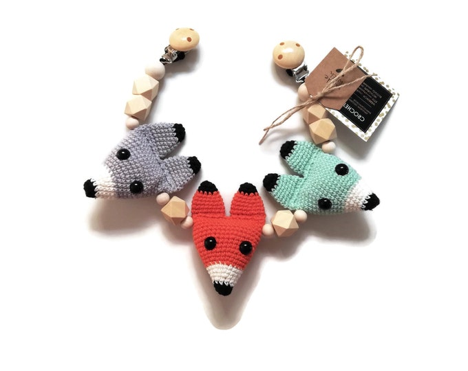 Handmade Crochet Stroller Chain fox wolf • woodland animals • amigurumi • pram garland • kinderwagenkette • wagenspanner • MADE TO ORDER