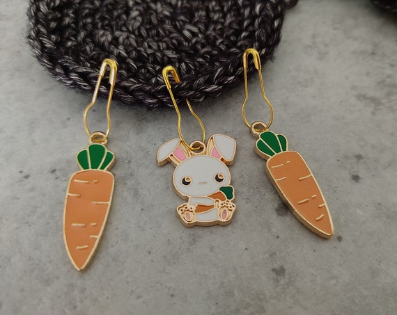 3 Enamel Stitch Markers • notions • row markers • end markers • place markers for crochet • Bunny carrot • Safety Pins with Charm