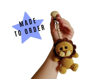 Handmade crochet stroller toy amigurumi lion - scratchy the lion - pram mobile - garland - baby toy -  wooden beads - MADE TO ORDER