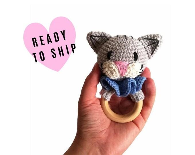 Handmade crochet cat teether • amigurumi cat rattle • teethering • baby teething ring • natural baby toy • rassel • READY TO SHIP