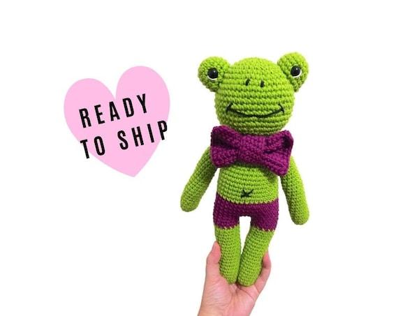 Handmade crochet amigurumi frog • stuffed animal • frog toy • gift for kids •  plush toy • prince • green animal • READY TO SHIP