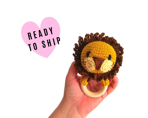 Crochet lion teether - wooden ring - stuffed rattle - baby teething ring - amigurumi - rattle - zoo safari animal - READY TO SHIP
