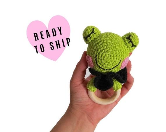 READY TO SHIP - handmade crochet frog teether - animal rattle - teething ring - newborn - wooden ring - crochetbykim