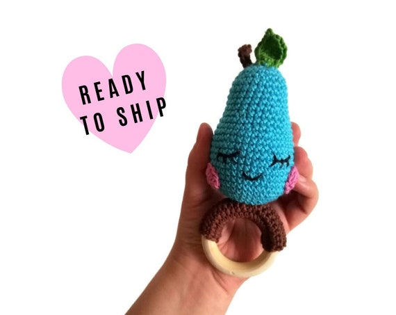 Crochet pear teether - wooden ring - stuffed rattle - baby teething ring - amigurumi - fruit rattle - crochetbykim