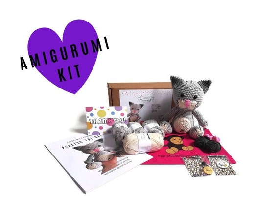 AMIGURUMI CROCHET KIT • Picatso the cat • crochet kit • amigurumi pattern • subcription box • amigurumi crochet box • material kit • diy