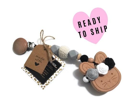 STROLLER TOY • Bunny with roses • wooden • black • gray • pram garland • kinderwagenkette • wagenspanner • crochetbykim • Ready To Ship