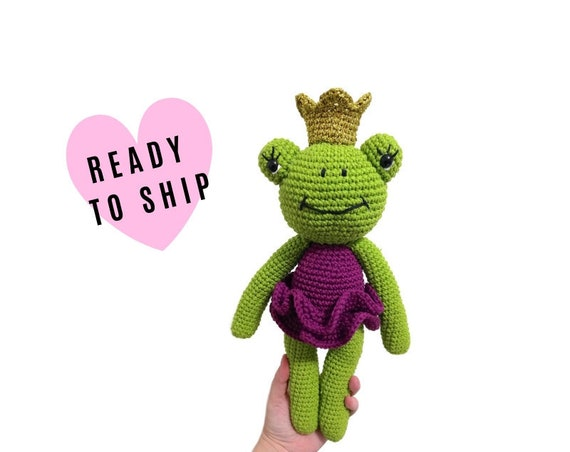 Handmade crochet amigurumi frog • stuffed animal • frog toy • gift for kids • plush toy • princess • green animal • READY TO SHIP