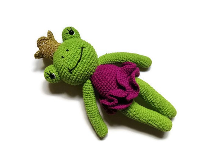 crochet frog - stuffed animal - frog toy - gift for kids - amigurumi frog - plush toy - princess - green animal