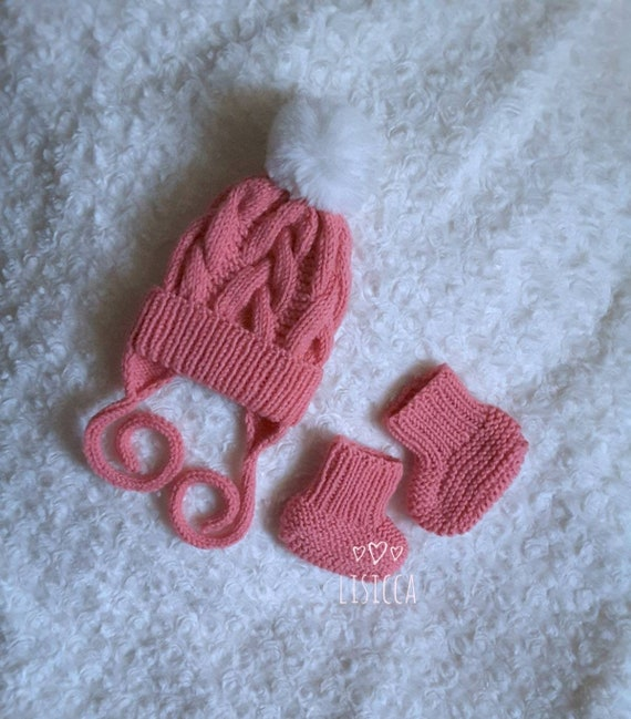 4d636553688 Knitted baby clothes Baby bonnet and booties Hand knitted baby