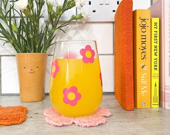Pink daisy flower drinking glass / iced coffee glass cup / aesthetic stemless wine gin glass / cute drinking glasses
