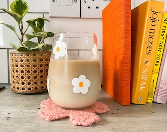 White daisy flower drinking glass / iced coffee glass cup / aesthetic stemless wine gin glass / cute drinking glasses
