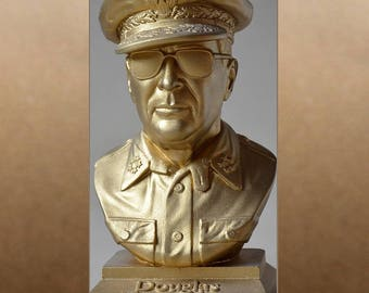 Douglas MacArthur color gold bust figure sculpture