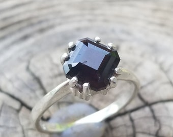 7mm Garnet Ring