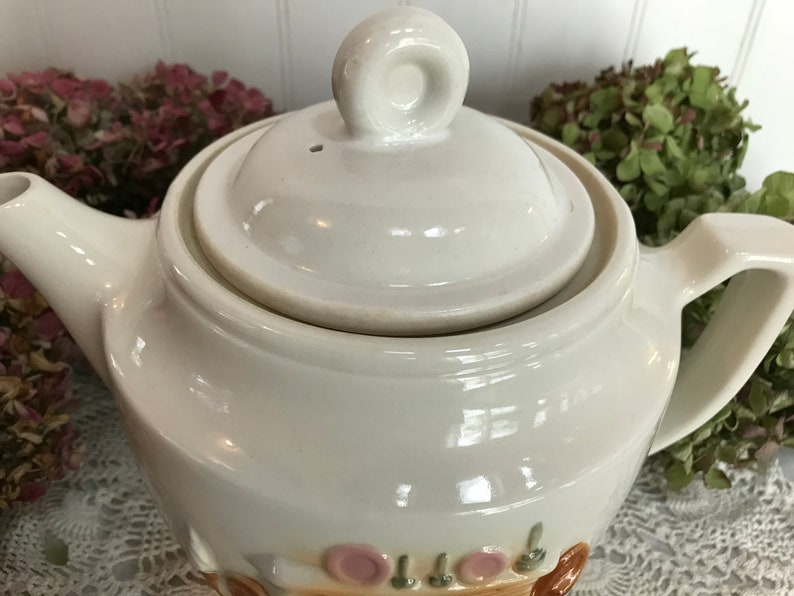 Vitreous China Vintage White Ceramic Porcelier Teapot 1940/'s Colonial FireplaceHearth Scene
