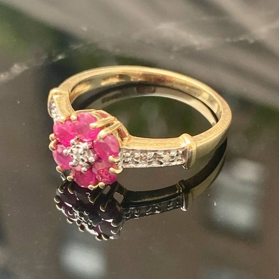 14K Gold Ruby and Diamond Cluster Vintage Ring * … - image 3