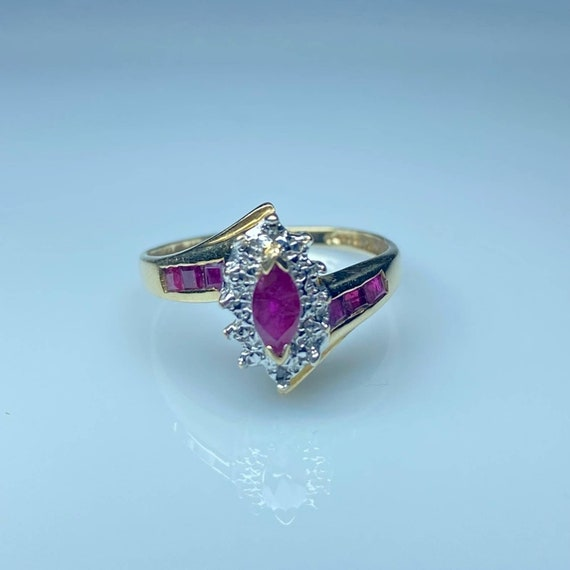 10K Gold Ruby and Diamond Vintage Ring * Ruby Dia… - image 2