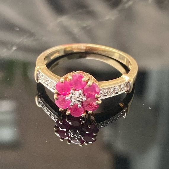 14K Gold Ruby and Diamond Cluster Vintage Ring * … - image 2