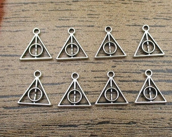 50 Triangle Charms,Antique Silver Tone,Double Sided -RS188