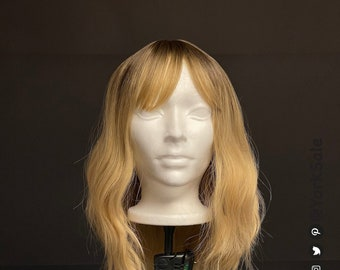 Wavy Short Blonde Bob with Dark Roots Synthetic Wig with Bangs for Black & White Women | Natural Look Hair | Heat Resistant | Short Length