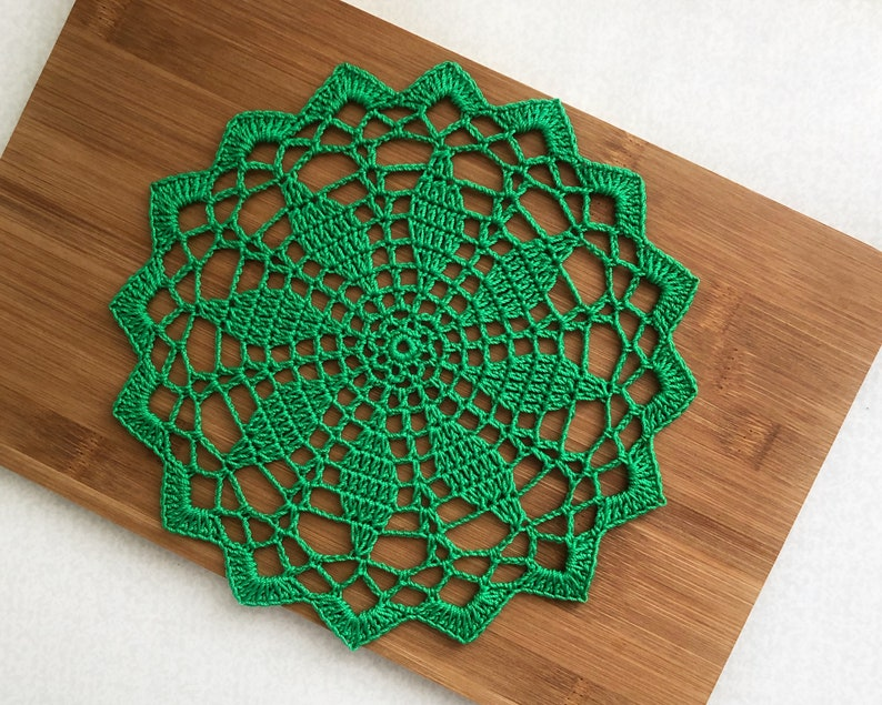 Spring green table d\u00e9cor Easter table accent Lace crochet small doily
