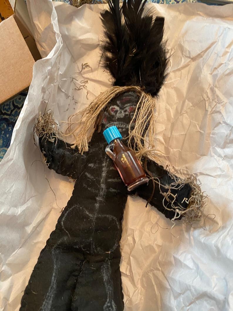 Voodoo Puppe für dunklen Zauber Arbeit schwarz tot Rache