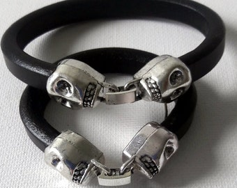 Black leather skull closure modern design bracelet set, Deadhead leather cuffs for Father and Son