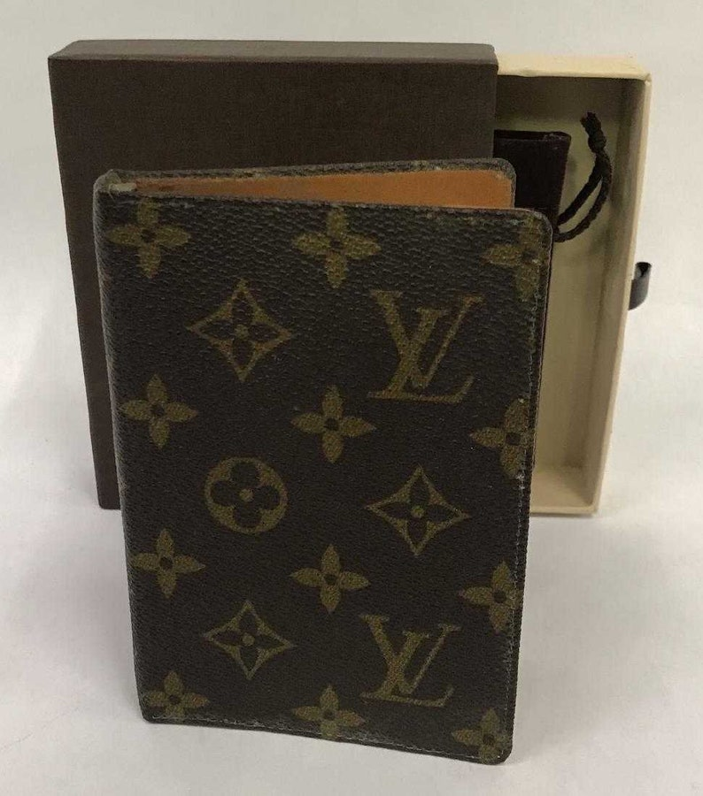 ec993ae0f3b VINTAGE LOUIS VUITTON Saks Fifth Avenue Small Notebook Binder Agenda with  Box