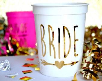 16 Oz BRIDE Plastic Stadium Cups Custom Bridal Party Favors Bachelorette Wedding Bridesmaid Gifts Maid of Honor Shower