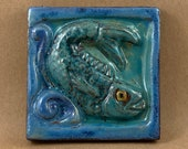 Square Fish Looking Right Tile (sky blue and turquoise) (4 x 4 inch aprox)